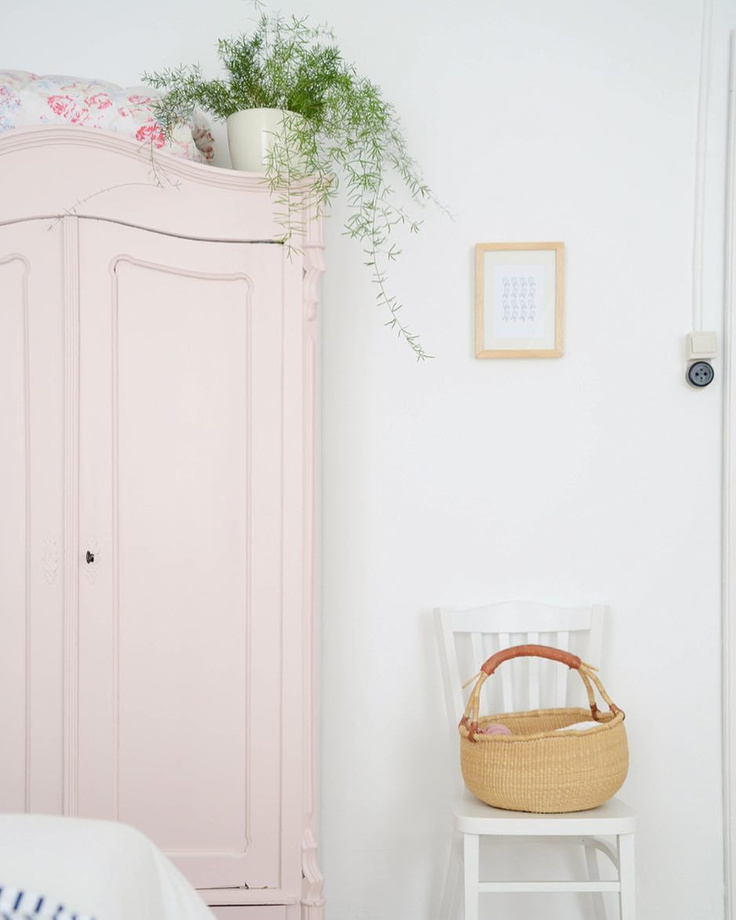 Middleton Pink by Farrow & Ball paint on a wardrobe armoire in bedroom by @yvestown.