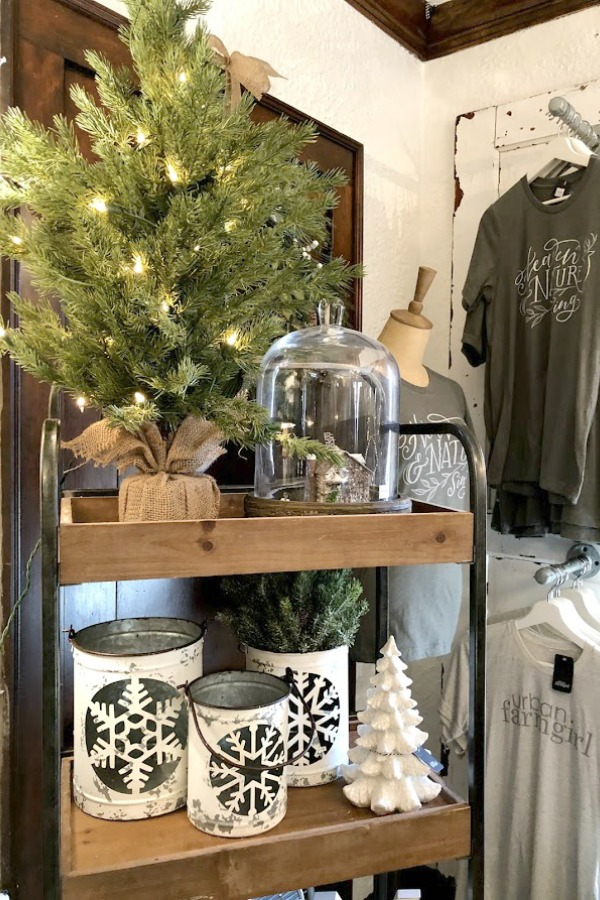 American farmhouse Christmas decor and vintage holiday decorating ideas at Urban Farmgirl in Rockford, Illinois. #hellolovelystudio #urbanfarmgirl #christmasdecor #farmhousechristmas #holidaydecor