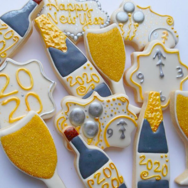 New Years Eve Cookies - KraftyKreations2014 on Etsy. New Year Inspirational Quotes as well as 9 Party Ideas. #cookies #newyearseve #champagnecookies