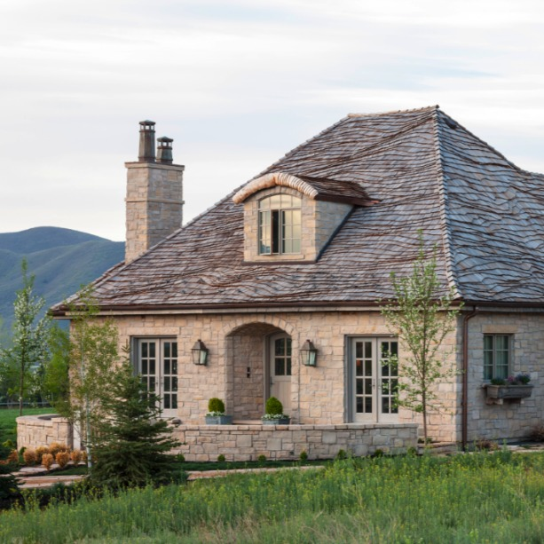 Gustavian and French design inspiration from a beautiful custom stone cottage in Utah - Decor de Provence. #frenchcountry #interiordesign #frenchcottage #housedesign