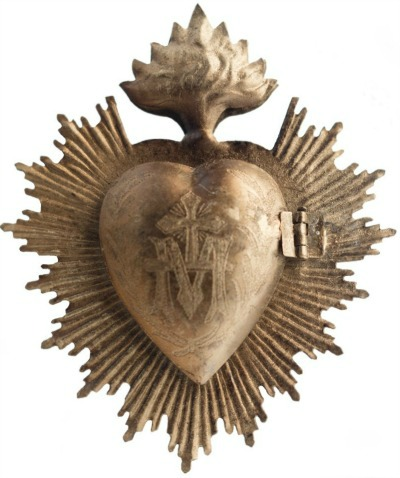 Sacred gold milagro heart - Queen of Crowns. #milagro #goldheart #frenchcountrydecor