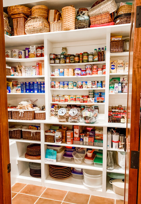 Well organized pantry with wooden shelves and smart ideas - After Orange County. #pantryorganization
