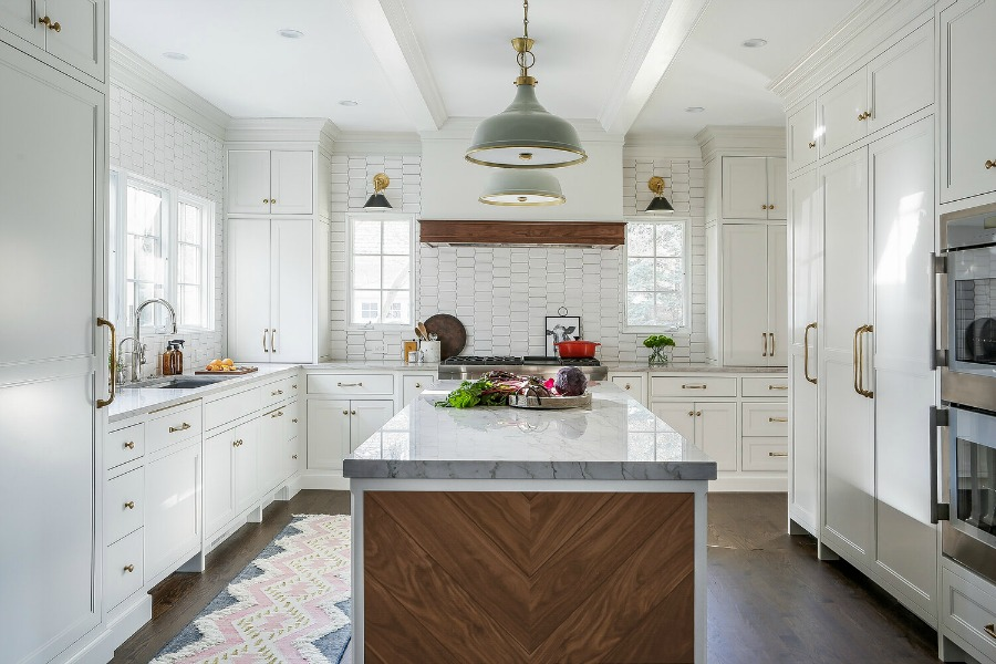 6 Timeless Traditional White Custom Kitchen Design Details ...