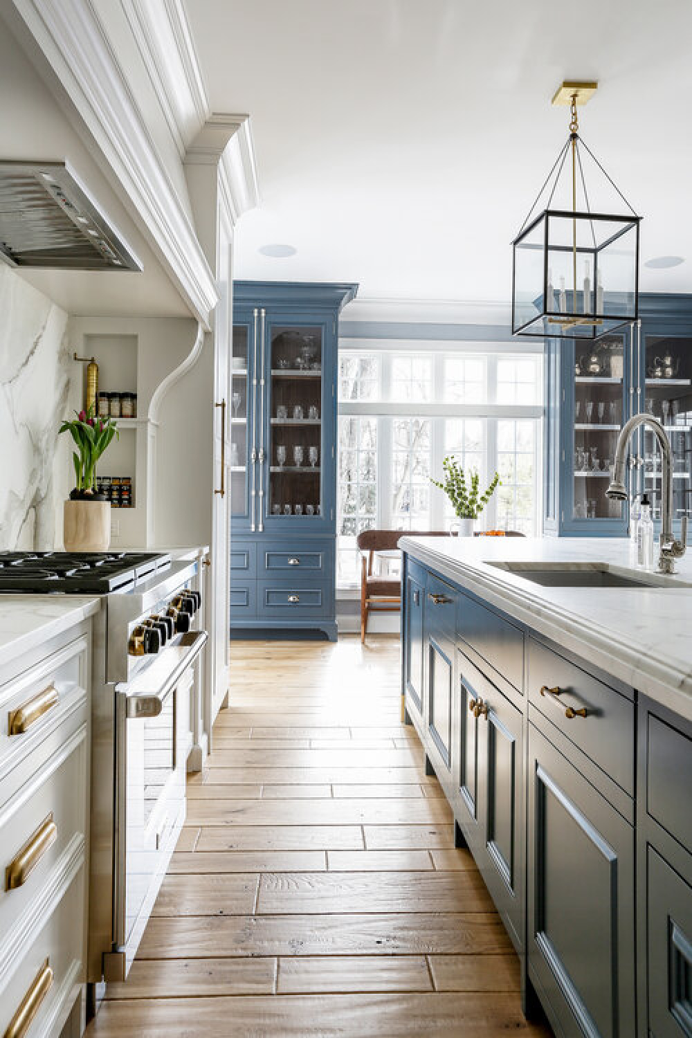 Classic blue kitchen ideas with traditional architecture, custom millwork, and sophisticated design - Edward Deegan Architects. #bluekitchens #traditionalkithens #classicbluekitchen