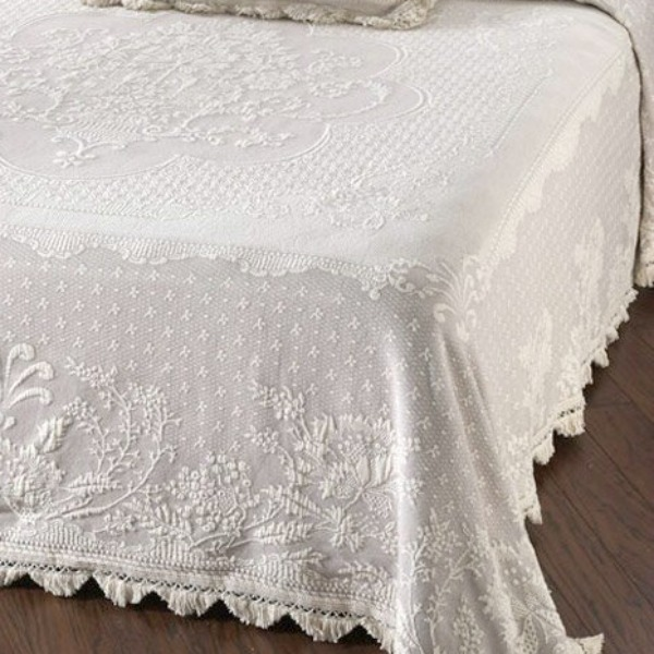 Erich Matelasse Single White Lace Quilt