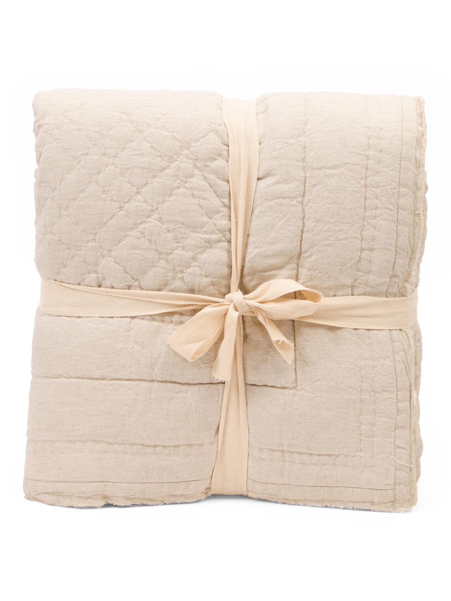 Linen fray edge quilt