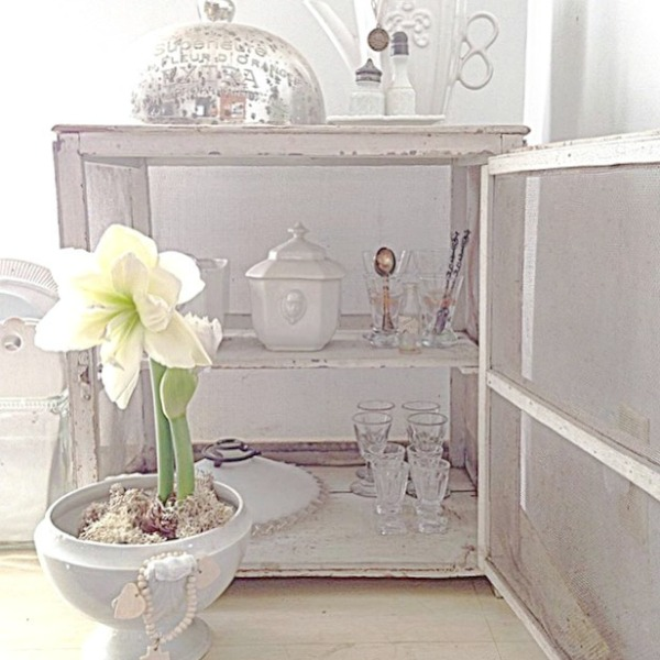 Gentle white on white decor scheme in a Nordic French interior by My Petite Maison. #whitedecor #toneontone #swedishdecor #nordicfrench #whitecountrydecor #interiordesign