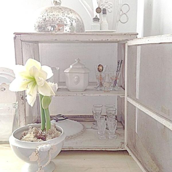 Gentle white on white decor scheme in a Nordic French interior by My Petite Maison. #whitedecor #toneontone #swedishdecor #nordicfrench #whitecountrydecor #interiordesign
