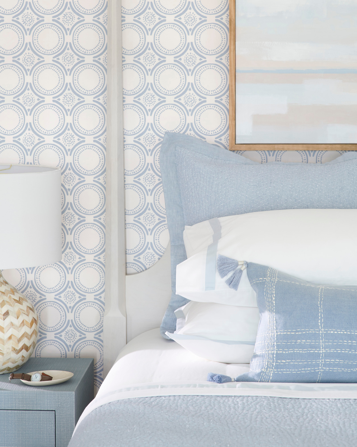 Blue and white coastal bedroom with classic wallpaper (Pesaro) with a chambray hue - Serena & Lily. #coastalbedroom #bluebedrooms