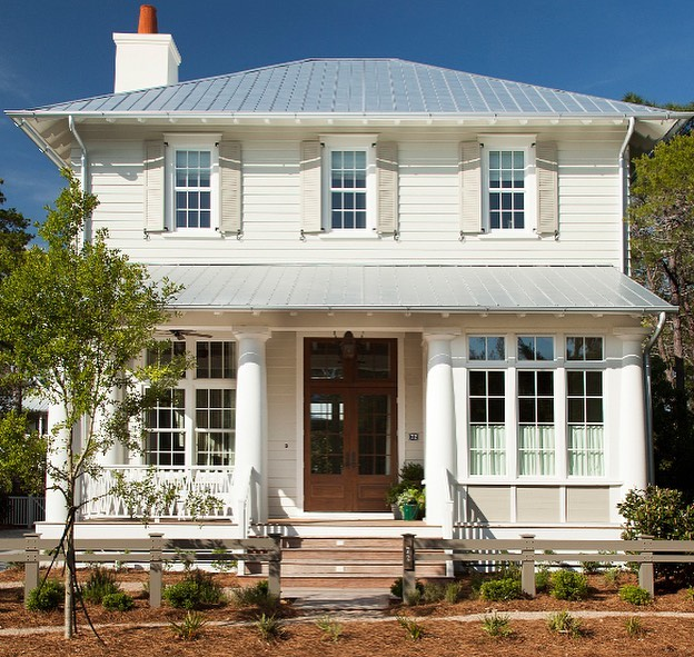 Traditional white house with shutters - T S Adams Architect. Charming inspiration if you love white painted house exteriors! #whitehouses #housedesign #exteriors #traditionalhome #traditionalarchitecture