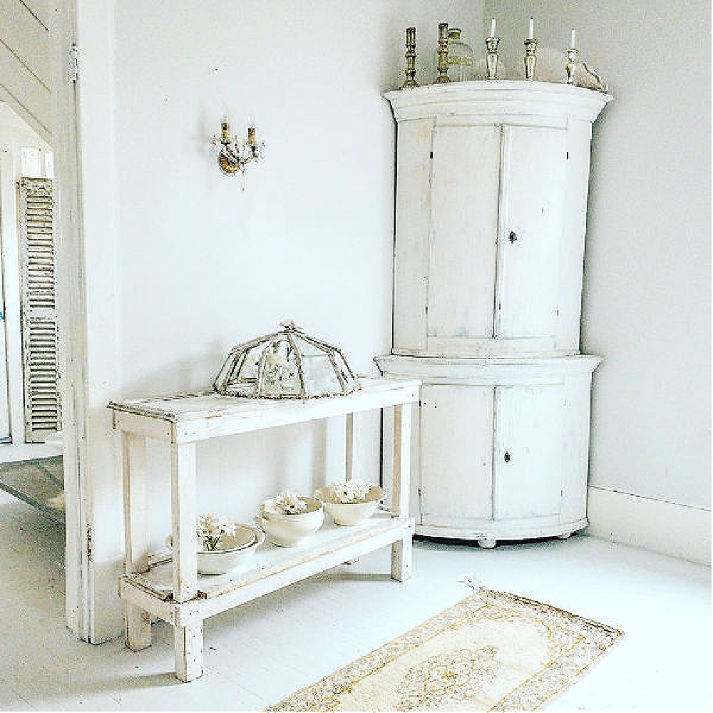 Swedish white decor and Nordic French style by My Petite Maison. #frenchnordic #nordic #swedish #interiordesign #decorating #allwhitedecor