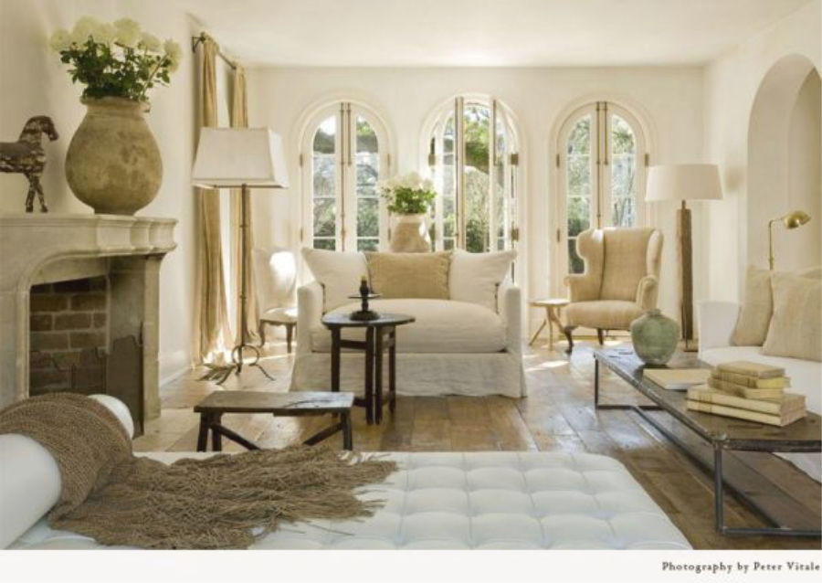 Pamela Pierce designed Houston living room with modern French decor and European country style. #pamelapierce #frenchcountry #livingrooms #interiordesign #whitedecor #petervitale