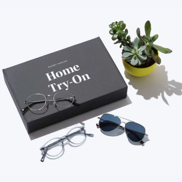 Warby Parker Home Try On makes it easy to find the perfect glasses without going out to the store! #warbyparker #bestglasses #lenses #visioncare #eyewear