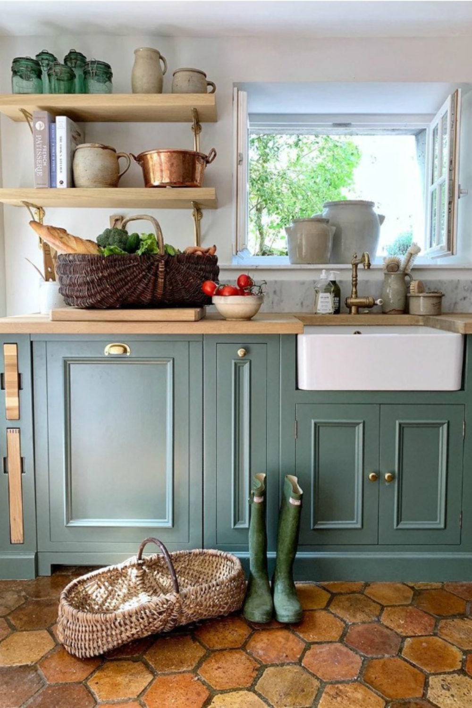 French farmhouse kitchen with cabinets painted Farrow & Ball Smoke Green - Vivi et Margot. #frenchfarmhouse #kitchen #farrowandball #smokegreen