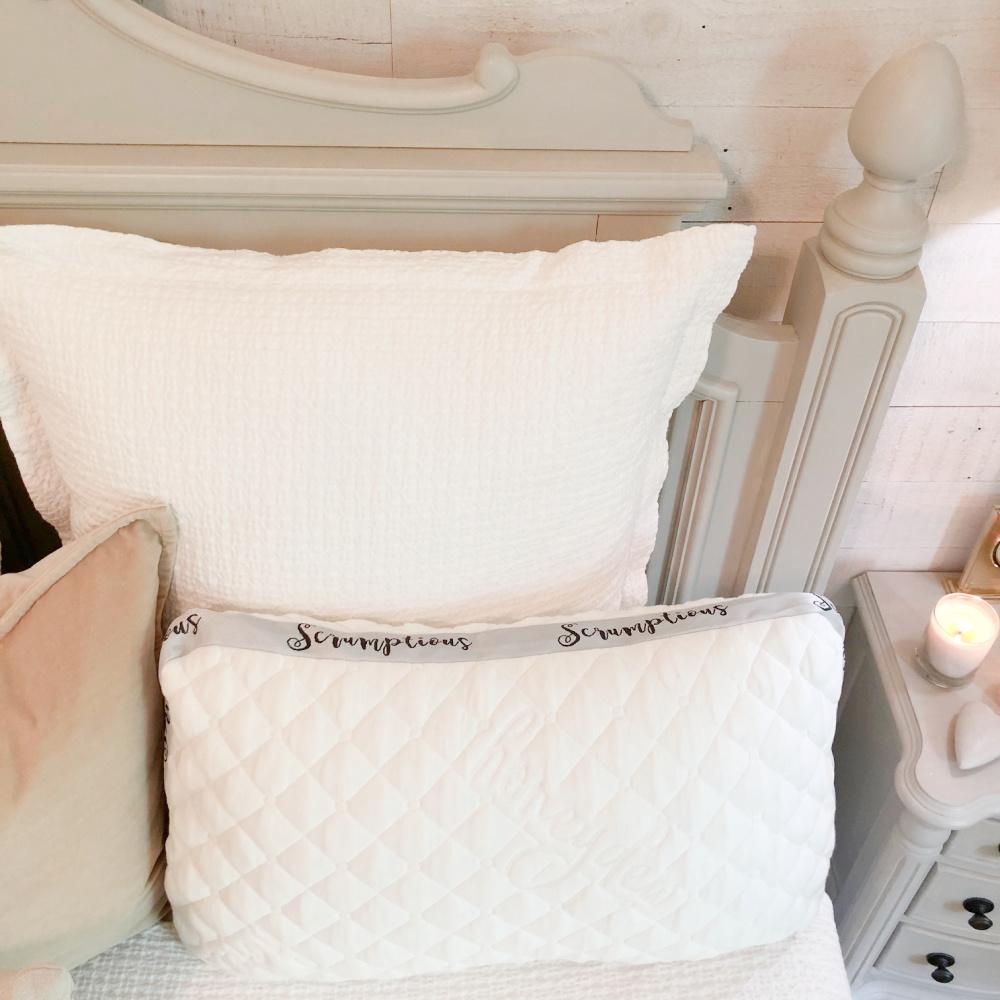Honeydew Sleep Scrumptious pillow on our bed - Hello Lovely Studio. #honeydewsleep #bestpillow #luxurypillow #bedpillows
