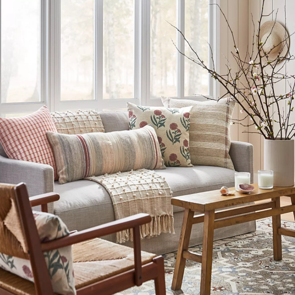 Living room with modern country vibe by Studio Mcgee for Target. #moderncountry #studiomcgee #livingroomfurniture