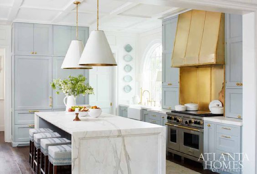 Matthew Quinn and Lauren DeLoach worked on this bespoke kitchen in the 2017 Southeastern Designer Showhouse - Atlanta Homes. #kitchendesign #traditionalstyle #timelesskitchens