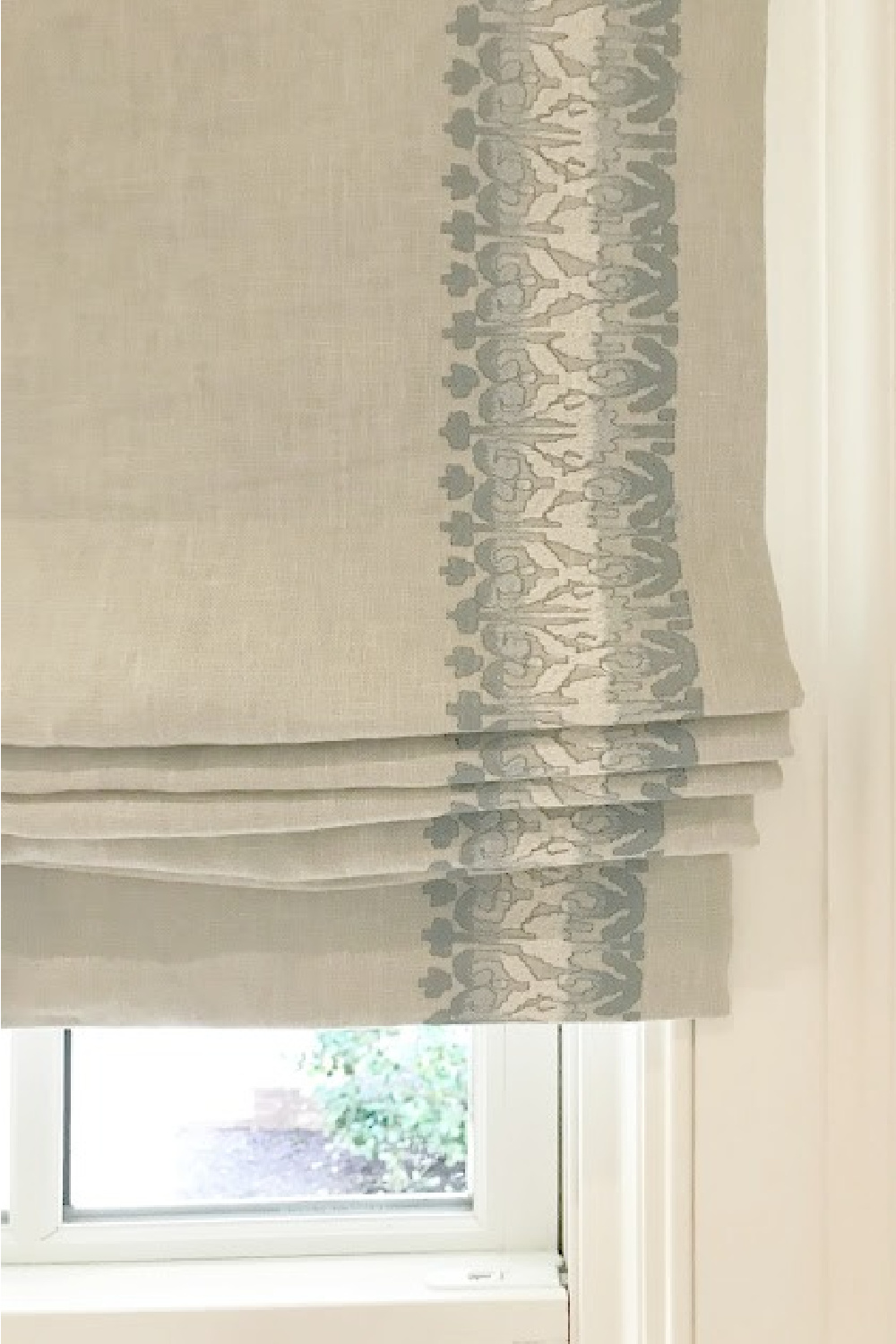 Linen roman shade with blue and cream embroidered detail in kitchen of Southeastern Designer Showhouse 2017 - Cowtan & Tout. #romanshade #windowtreatment #interiordesign
