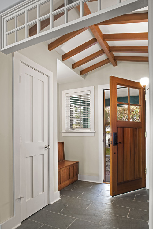 Benjamin Moore Revere Pewter in an entry - Essex Architects and Designers Tate + Burns. #benjaminmoore #reverepewter #paintcolors #soothing #entry