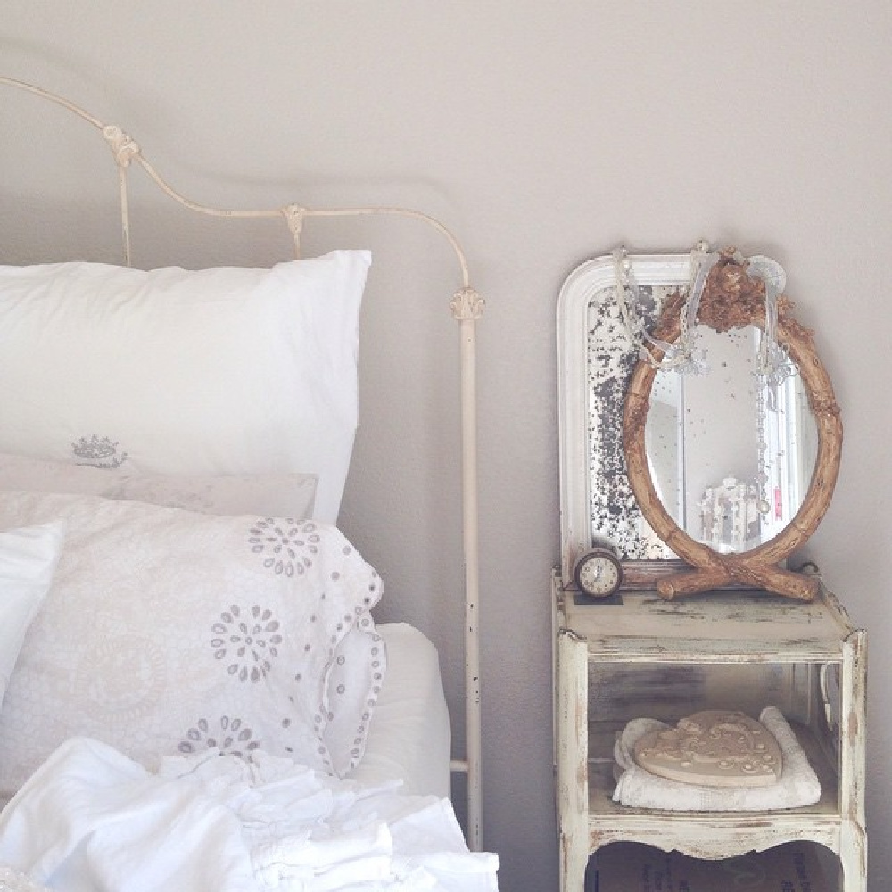 Nordic French all white bedroom with vintage iron bed and antiques is a lesson in quiet serenity - @mypetitemaison. #frenchnordic #whitebedroom #Swedishstyle #bedroomdecor