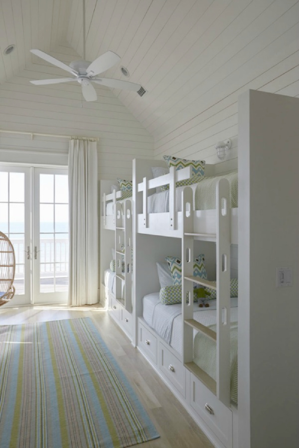 Bunk room in a luxurious coastal home by Geoff Chick.