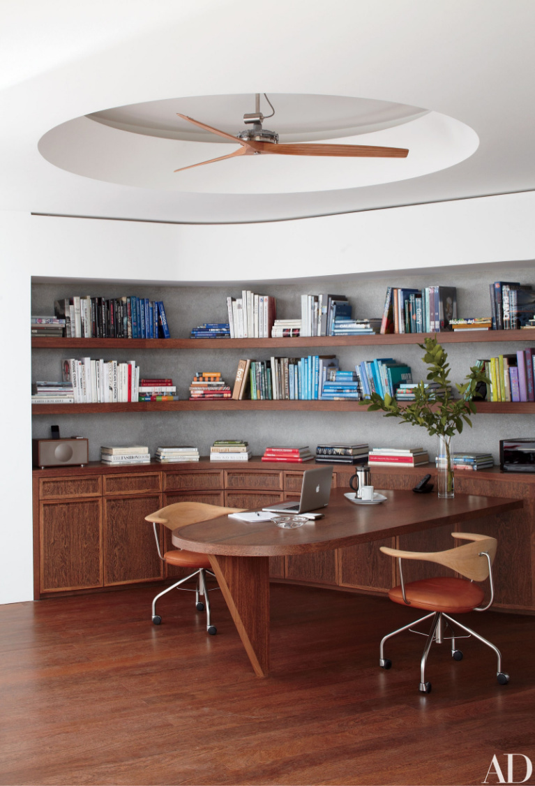Beautiful and modern home office by Charles Gwathmey in Architectural Digest. #homeoffice $openshelving