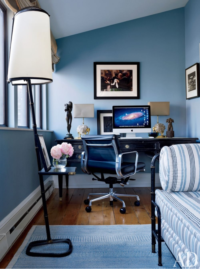 Monochromatic blue office by Jay McInerney and Anne Hearst. #homeoffice #monochromatic #bluewalls #interiordesign