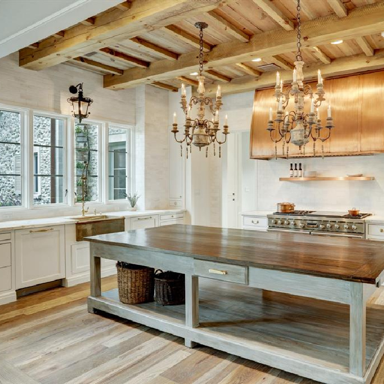 Kitchen in Breathtaking French inspired Houston Home (2535 Inwood). #frenchcountry #housedesign #interiordesign #luxuryhome #frenchhome #kitchendesign