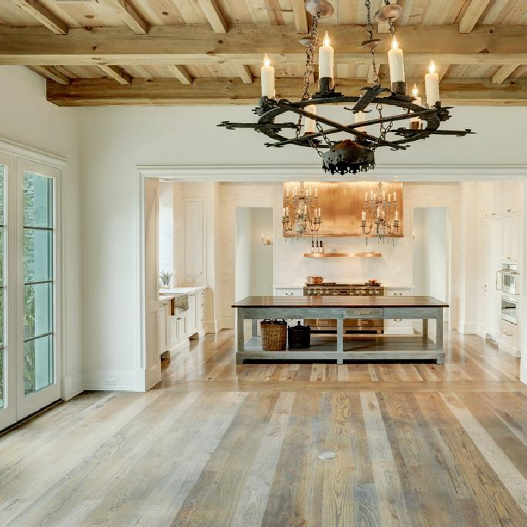 Kitchen in Breathtaking French inspired Houston Home (2535 Inwood). #frenchcountry #housedesign #interiordesign #lfrenchhome #kitchendesign