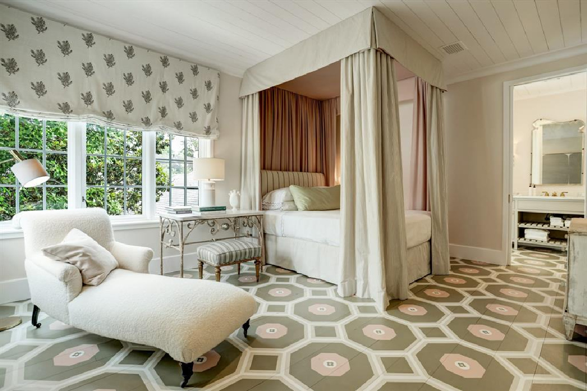 Eleanor Cummings designed bedroom in MILIEU Showhouse 2020 - featuring exceptional designers including Darryl Carter, Kathryn Ireland, Pamela Pierce, Shannon Bowers, and more. #milieushowhouse #interiordesign #designershowhouse #luxuryhome #edwinlutyens #bedroom #eleanorcummings