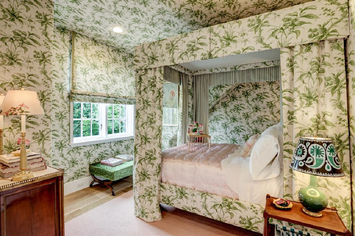 Lisa Fine designed bedroom in MILIEU Showhouse 2020 - featuring exceptional designers including Darryl Carter, Kathryn Ireland, Pamela Pierce, Shannon Bowers, and more. #milieushowhouse #interiordesign #designershowhouse #luxuryhome #edwinlutyens #bedroom #lisafine