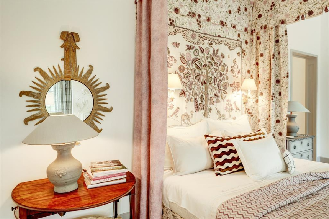Bedroom in MILIEU Showhouse 2020 - featuring exceptional designers including Darryl Carter, Kathryn Ireland, Pamela Pierce, Shannon Bowers, and more. #milieushowhouse #interiordesign #designershowhouse #luxuryhome #edwinlutyens #houstonhome #bedroomdesign