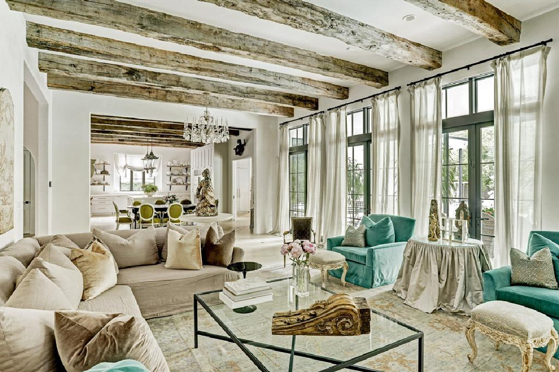 Pale and serene French interiors in a luxurious Houston home built with authentic European materials and bespoke finishes. #timelessdesign #interiordesign #frenchcountry #europeancountry #antiques #oldworldstyle #modernfrench #plasterwalls