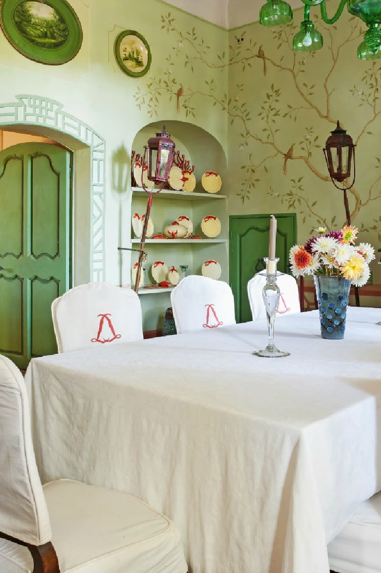 Cheerful greens in a dining room of a luxurious villa in Provence, Chateau Mireille. #frenchchateau #diningroom #frenchcountry #greendecor