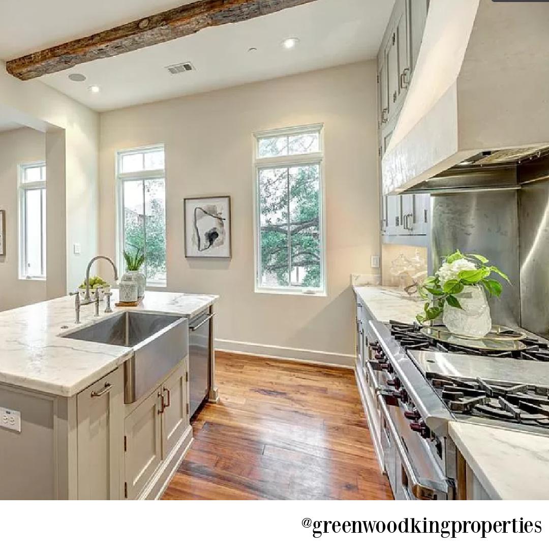 Kitchen in modern French Houston Home (1119 Berthea St.) - @greenwoodkingproperties. #modernfrench #interiordesign #kitchens