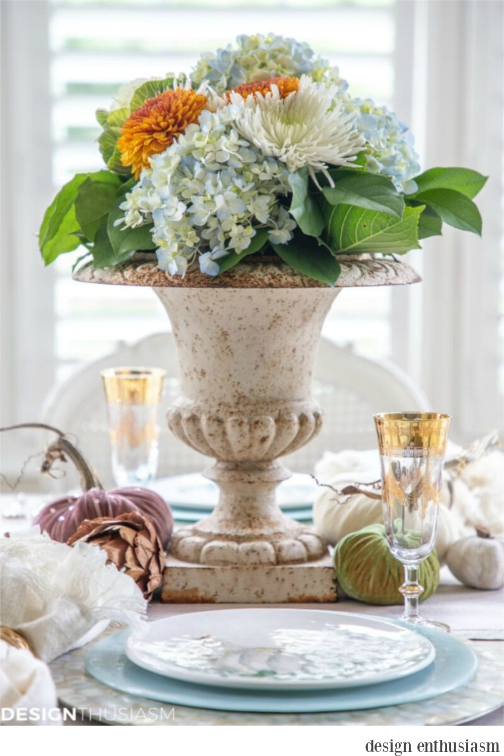 When you're after the softer side of autumn and a soothing color palette - tablescape by Design Enthusiasm. Serene French Farmhouse Fall Decor Photos ahead! #centerpiece #falltable #fallfloral #autumn #tabletop #Thanksgiving #pumpkins