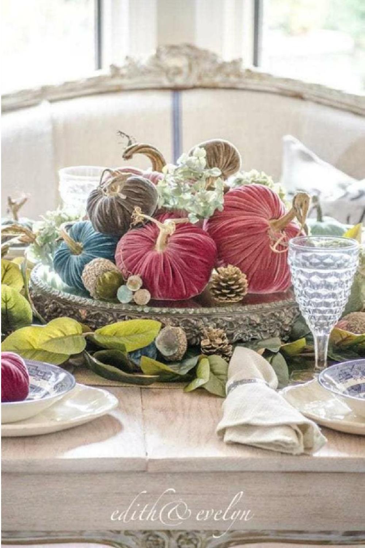 Stunning and simple centerpiece by Edith & Evelyn. Serene French Farmhouse Fall Decor Photos ahead! #tablescape #centerpiece #autumn #falldecor #velvetpumpkin #frenchcountry