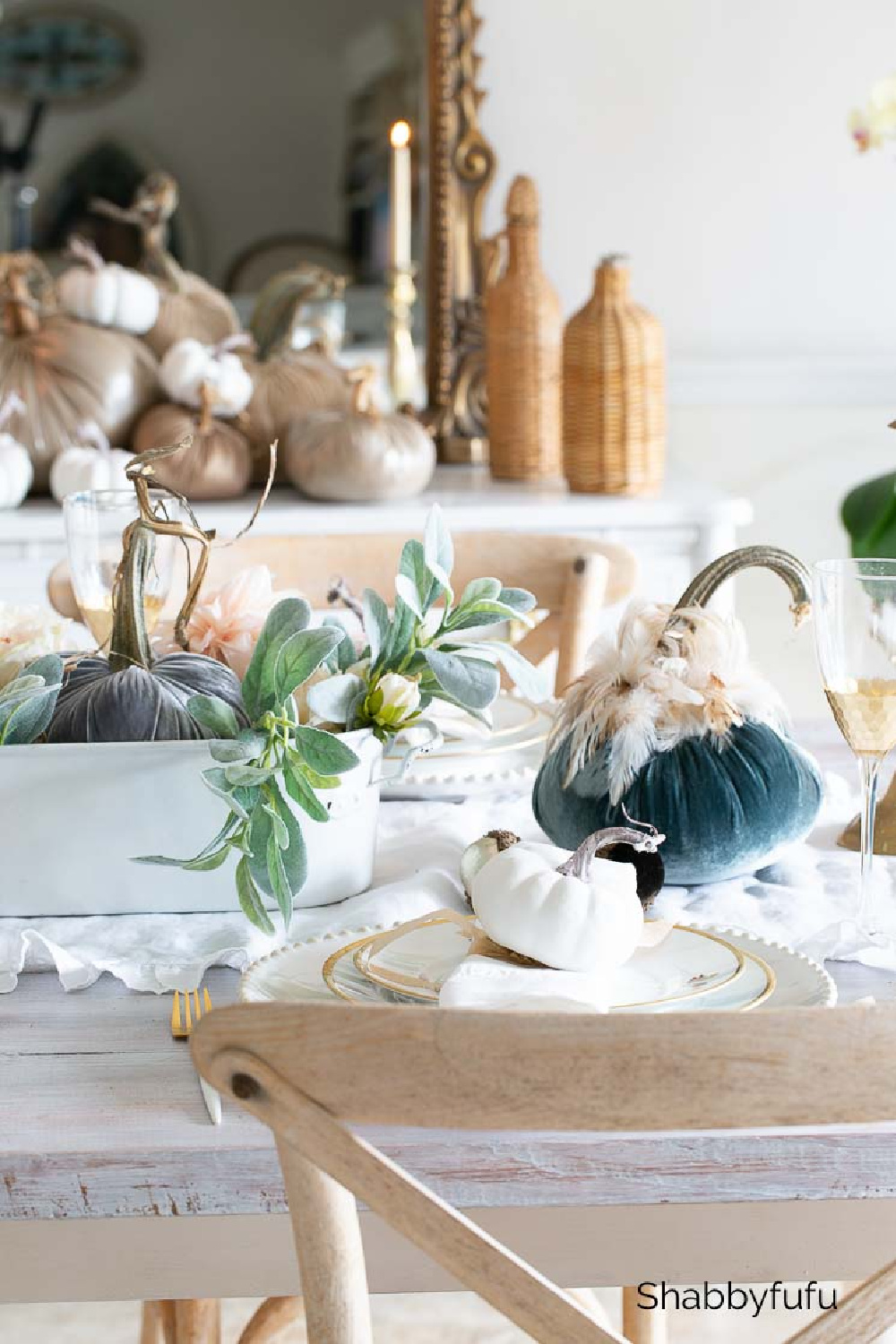 Beautiful fall tablescape with French Country style - Shabbyfufu. #frenchcountryfall