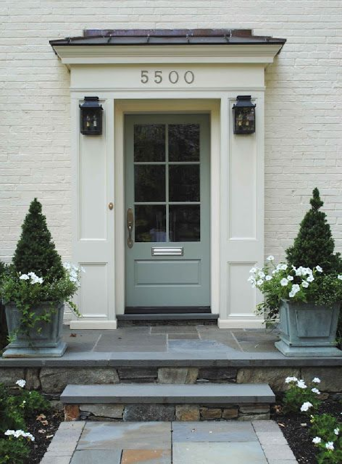 Farrow and Ball Blue Gray 91 perfectly complements the tones in the slate. Come discover 9 Timeless Grey-Blue Paint Color Ideas For Quiet, Sophisticated Greys for Walls, Furniture and Trim! #paintcolors #bluegrey #farrowandballbluegray