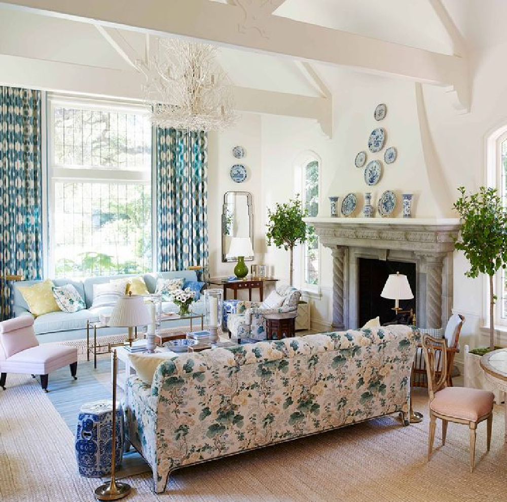 Beautiful traditional living room with floral sofa - Mark Sikes. #livingrooms #interiordesign