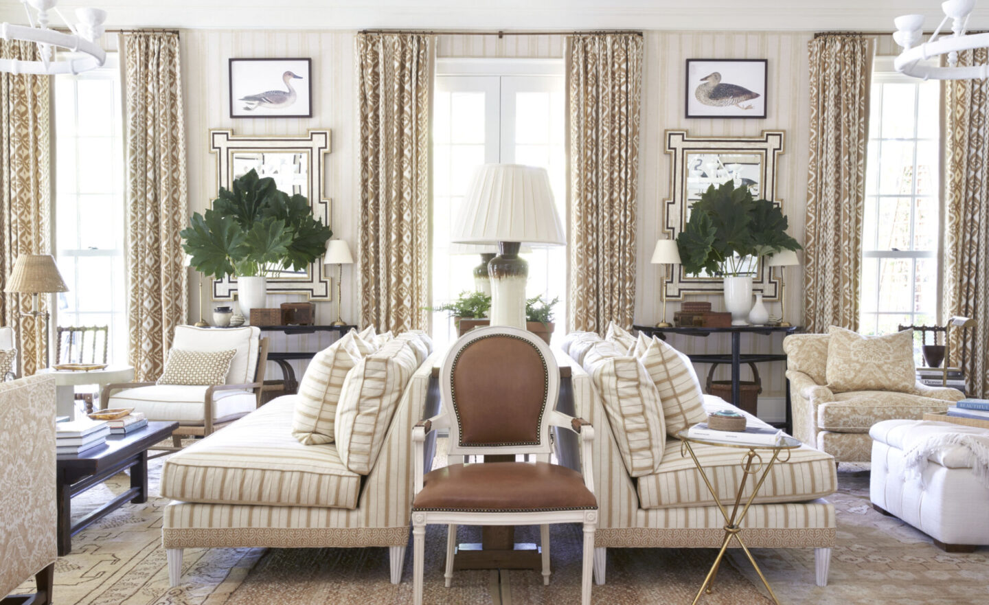 Glorious all American classic interior design by Mark Sikes from MORE BEAUTIFUL - see more on Hello Lovely Studio. #marksikes #morebeautiful #interiordesign #classicstyle #traditionalstyle