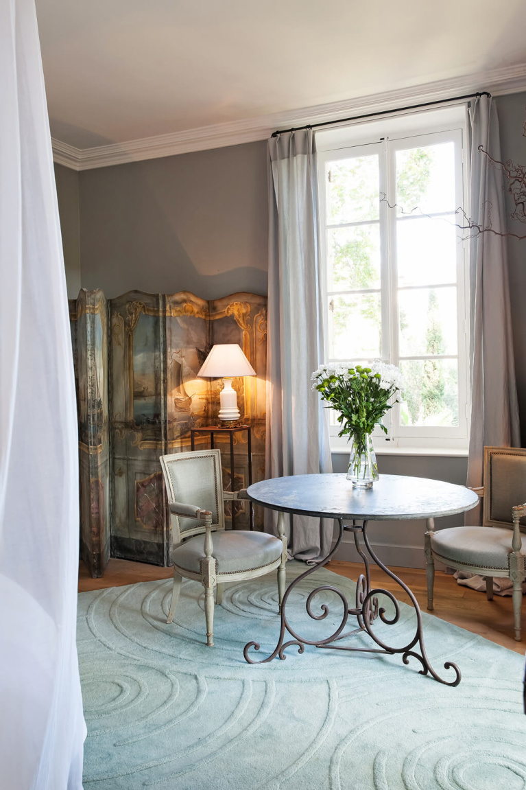 Romantic French country style in a sumptuous suite in Avignon Hôtel Particulier, a beautifully restored 19th century mansion in the heart of Avignon's historic center - Haven In. #modernfrench #frenchcountrydecor #frenchchateau #provence #frenchcountry #restoredchateau #southoffrance #aivgnonhotel