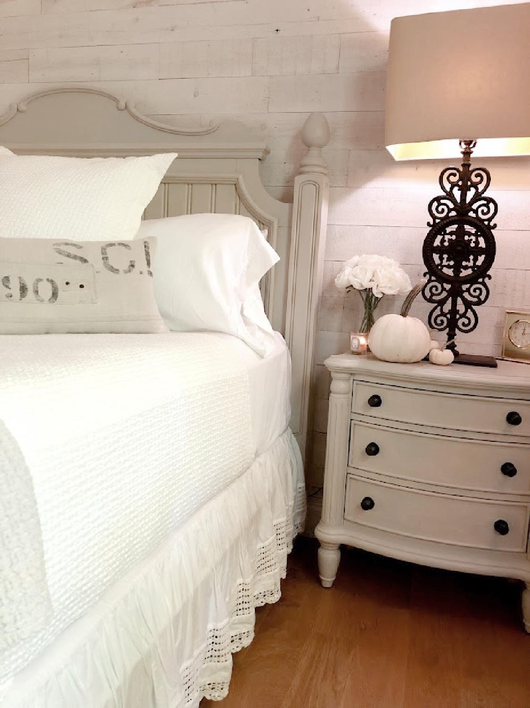 Hello Lovely's cozy white fall bedroom.