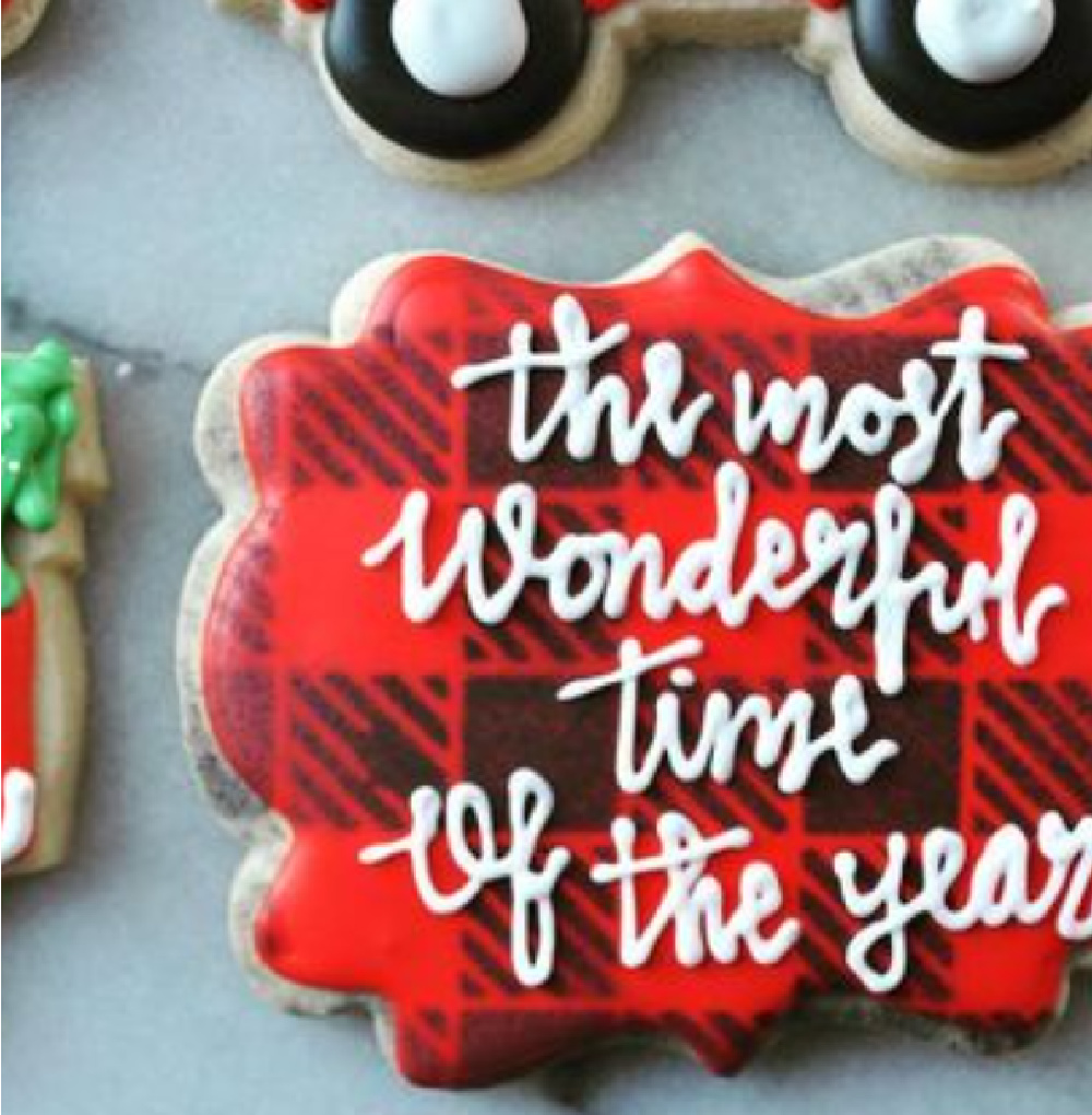 Plaid Christmas cookie with red and black: the most wonderful time of the year - @lucyberrybakeshop #christmascookies #cookieart