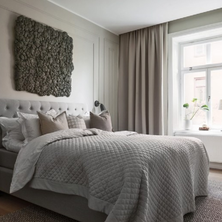 Minimal, sumptuous, luxurious, zen bedroom with grey accents and Swedish tone on tone sophistication - PlaneteDeco.