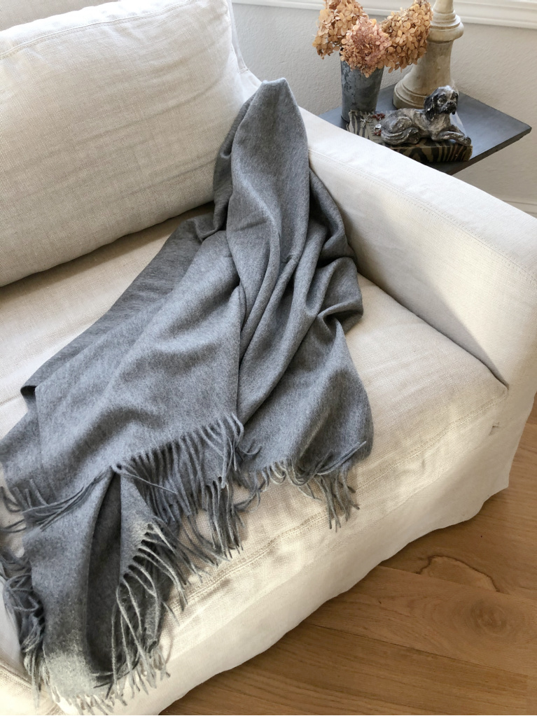 My cashmere throw from Italic looks gorgeous anywhere I toss it in the living room! Hello Lovely Studio. #cashmerethrow