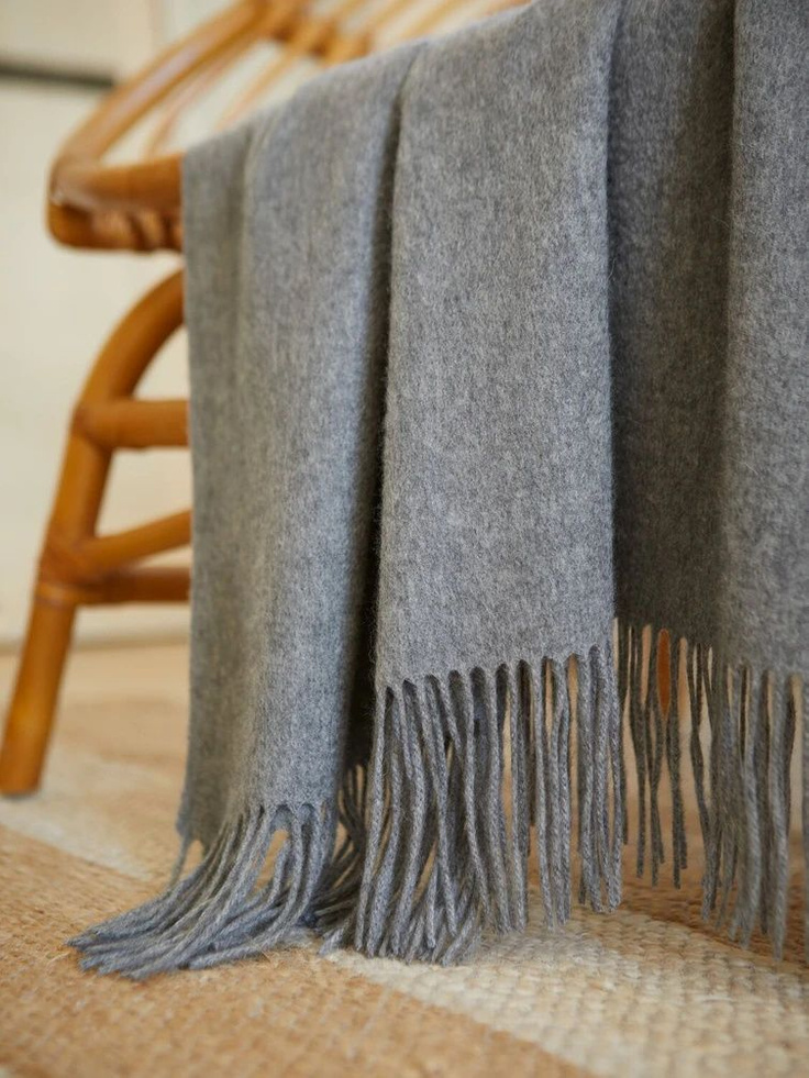 Gorgeous heather gray cashmere throw with fringe from Italic looks fabulous and stylish anywhere you toss it. #cashmerethrow #graythrow #cashmere