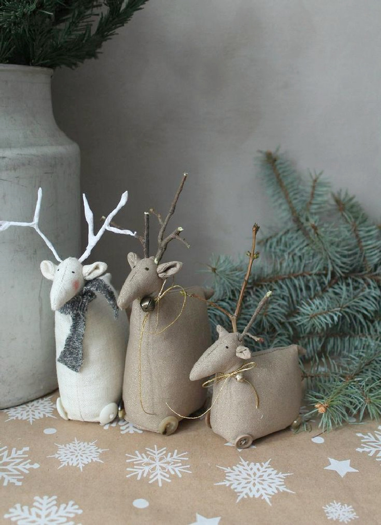 Sweet whimsical handmade deer from Shabby Annies on etsy have such a Nordic Scandi Christmas feel!