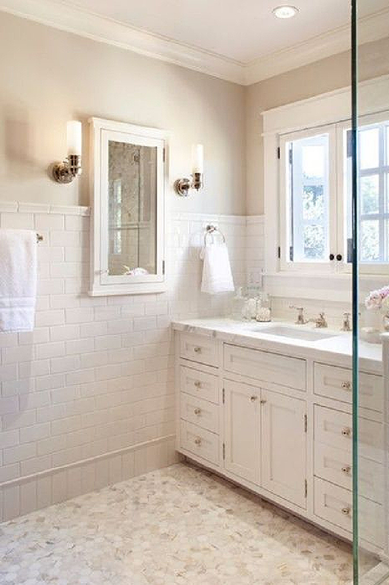 Warm creamy white bathroom painted Atrium White (Benjamin Moore). #paintcolors #whitepaintcolors #atriumwhite