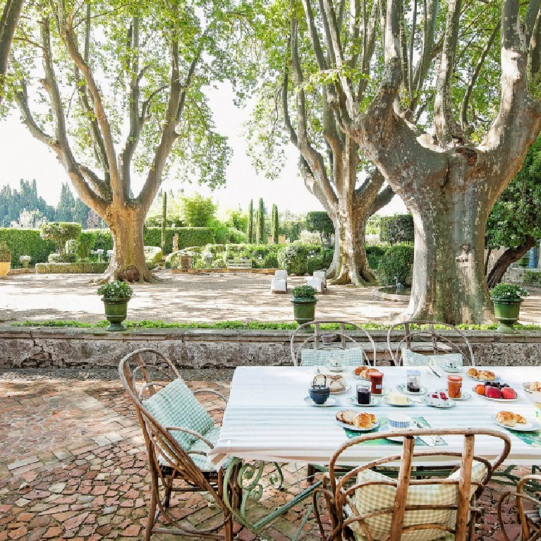 Fairytale charm and Old World style formal French gardens - Tour a Stunning French Château Near St-Rémy-de-Provence. #frenchchateau #frenchgardens #southoffrance #provence